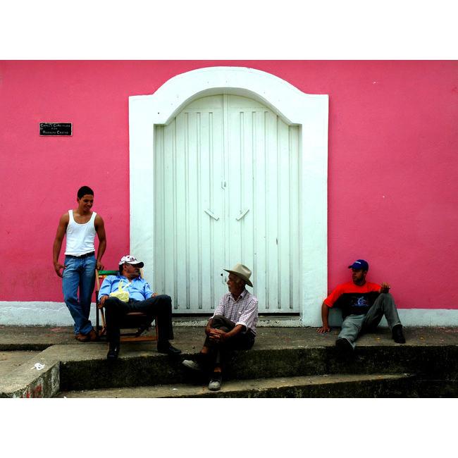 discussion entre hommes par chauvel1 Découvrez la sélection des photographes mabellephoto de mai
