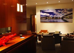 expo ramelli hotel noailles croco rouge3 Retour sur le vernissage de l'exposition du photographe Serge Ramelli à l'hôtel de Noailles