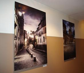 expo ramelli hotel noailles mur gauche Retour sur le vernissage de l'exposition du photographe Serge Ramelli à l'hôtel de Noailles