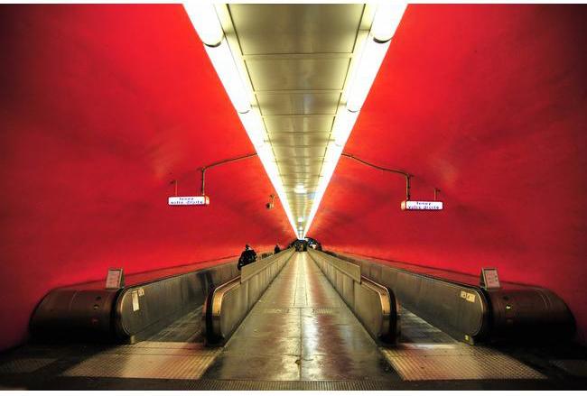 le metro voit rouge par david reibenberg1 Découvrez la sélection des photographes mabellephoto du mois de octobre